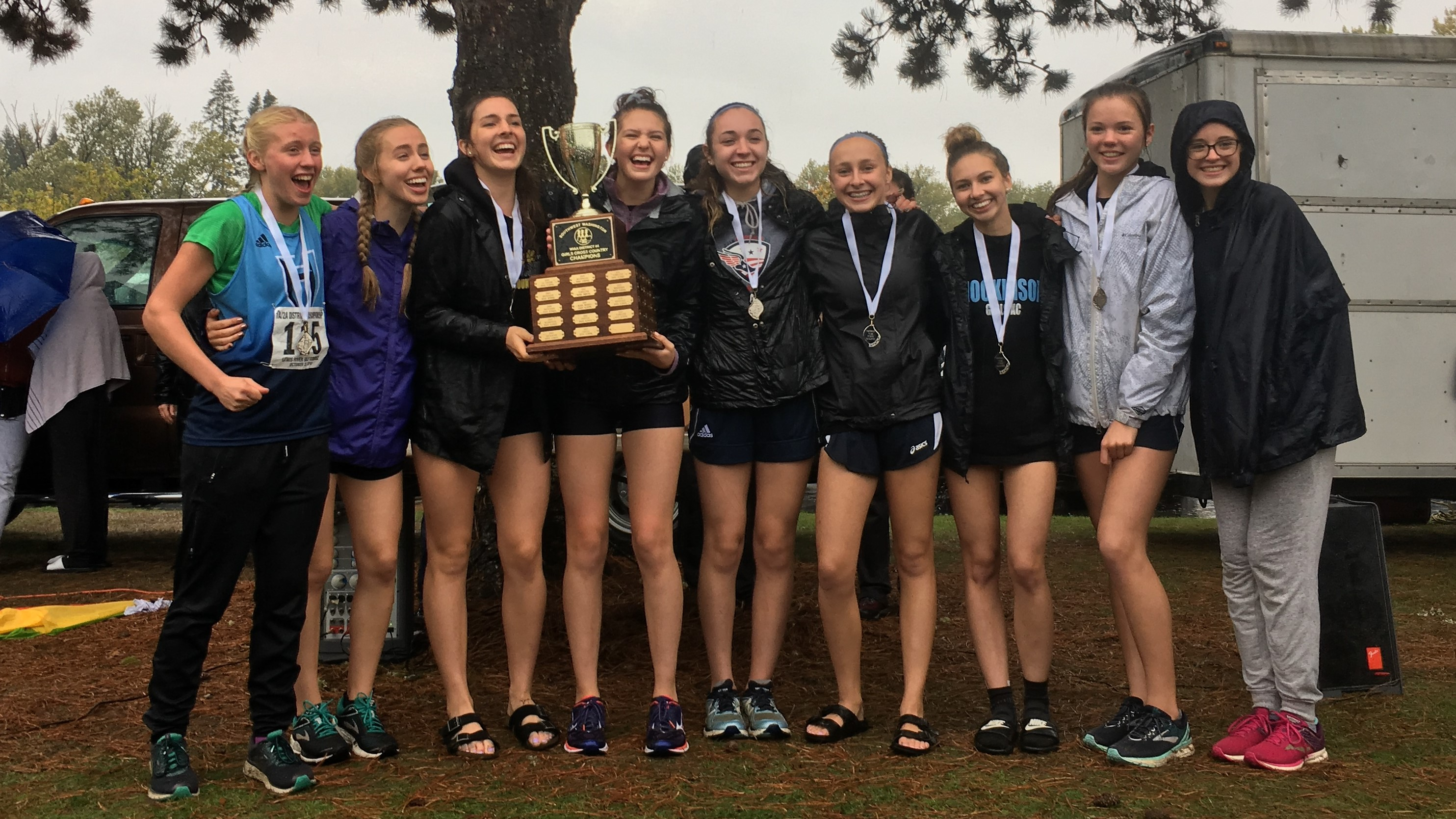 girls cross-country district champions